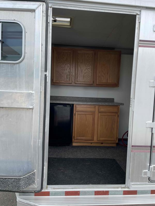 1995 4-Star Trailers 3H GN Horse Trailer