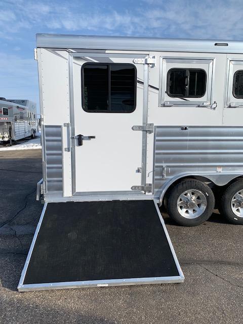 2021 Lakota 4H LQ Horse Trailer