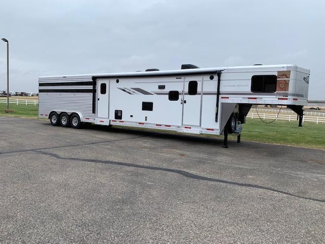 SMC 2021 Horse Trailers St/Combo LQ Livestock Trailer