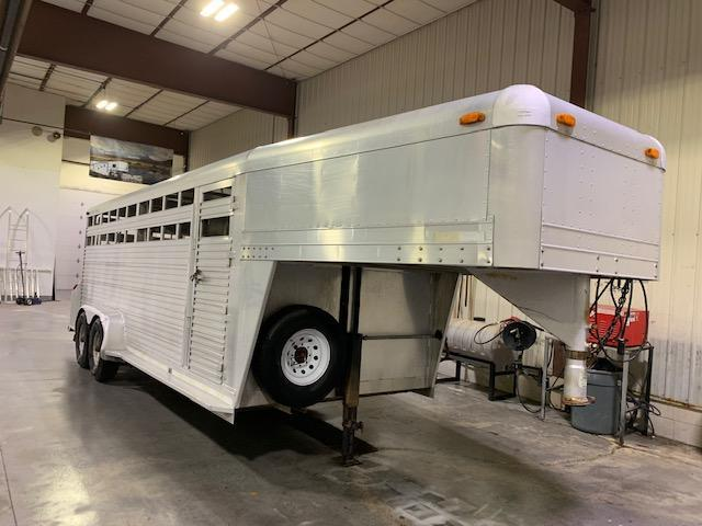 1995 4-Star Trailers 20' Stock GN Livestock Trailer