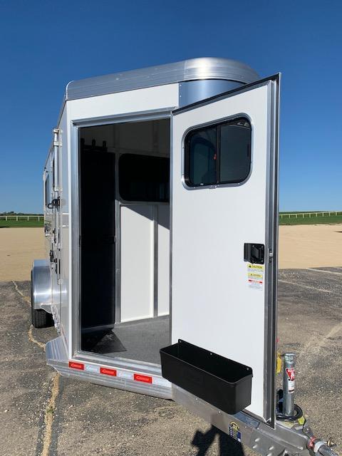 2022 Cimarron Trailers NS2BT Horse Trailer