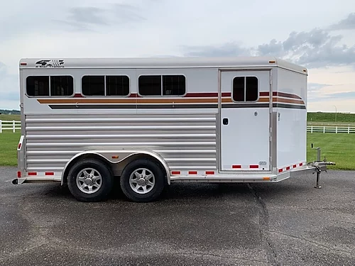 2015 4-Star Deluxe 3H BP Horse Trailer