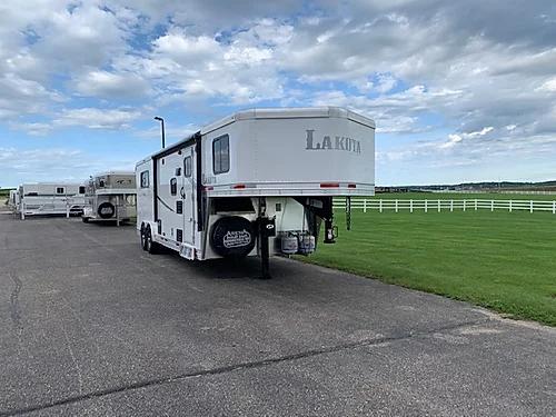 Lakota 2020 Colt 3H LQ Horse Trailer