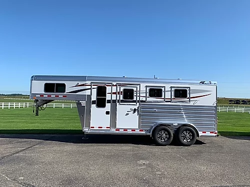 4-Star 2020 3H GN Horse Trailer