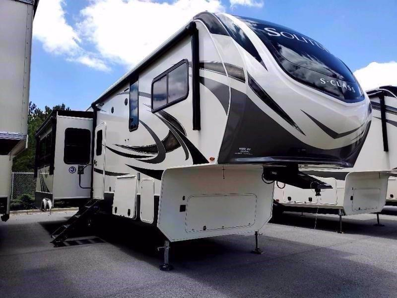 2021 Grand Design RV SOLITUDE 2930RL-R