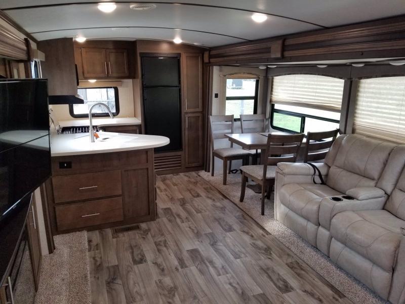 2018 Keystone RV COUGAR 33MLS