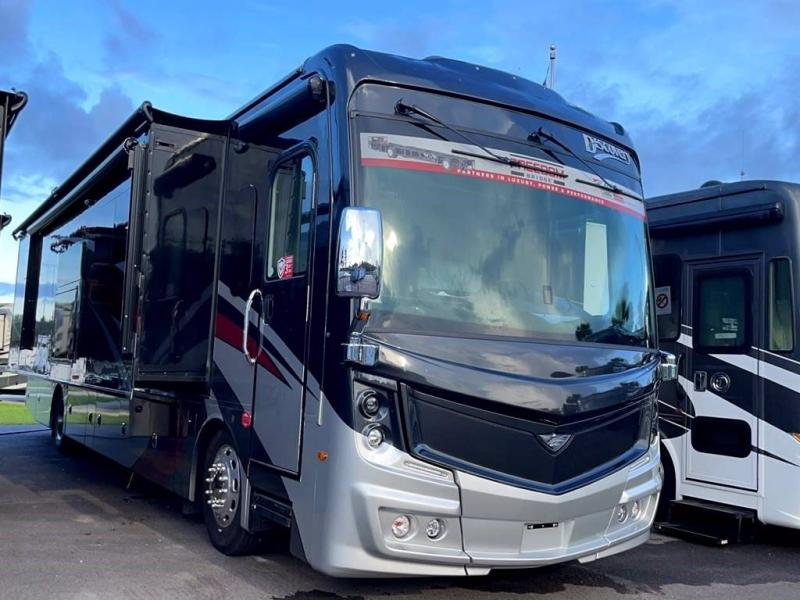 2022 Fleetwood RV DISCOVERY 38W