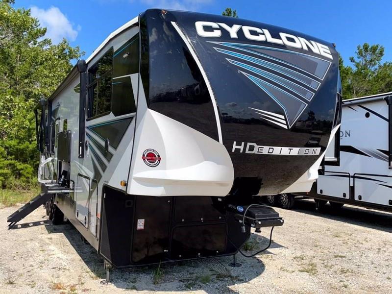2022 Heartland RV CYCLONE 4007