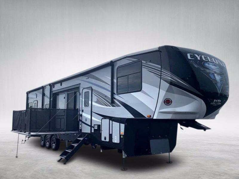 2021 Heartland RV CYCLONE 4270