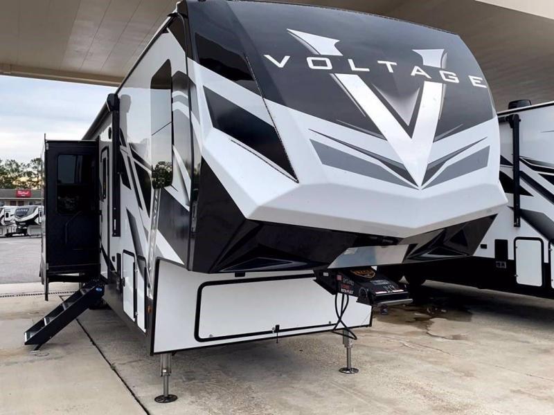 2022 Keystone RV VOLTAGE 4225