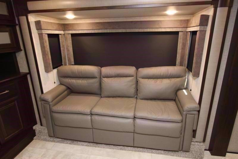 2020 Grand Design RV MOMENTUM 376THS