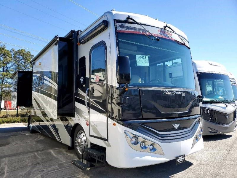 2021 Fleetwood RV PACE ARROW LXE 38N
