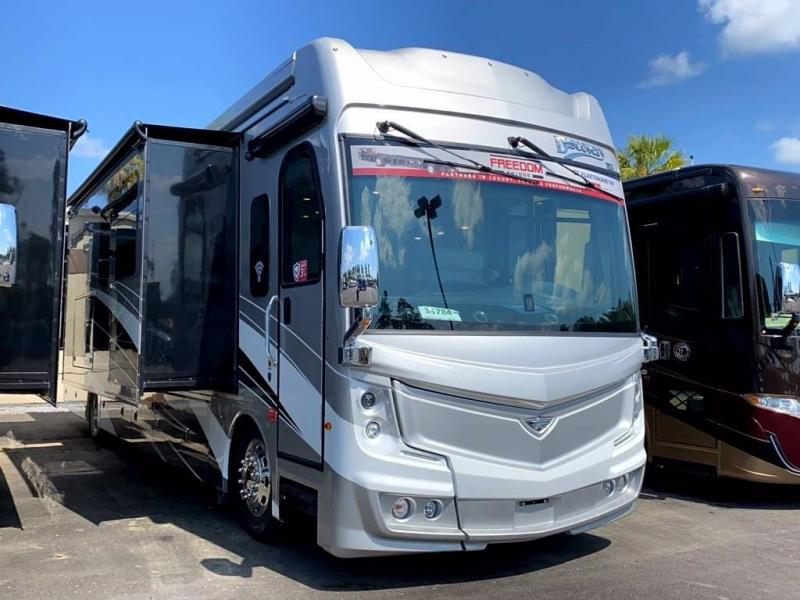 2021 Fleetwood RV DISCOVERY LXE 40D