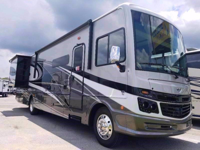 2021 Fleetwood RV BOUNDER 36F