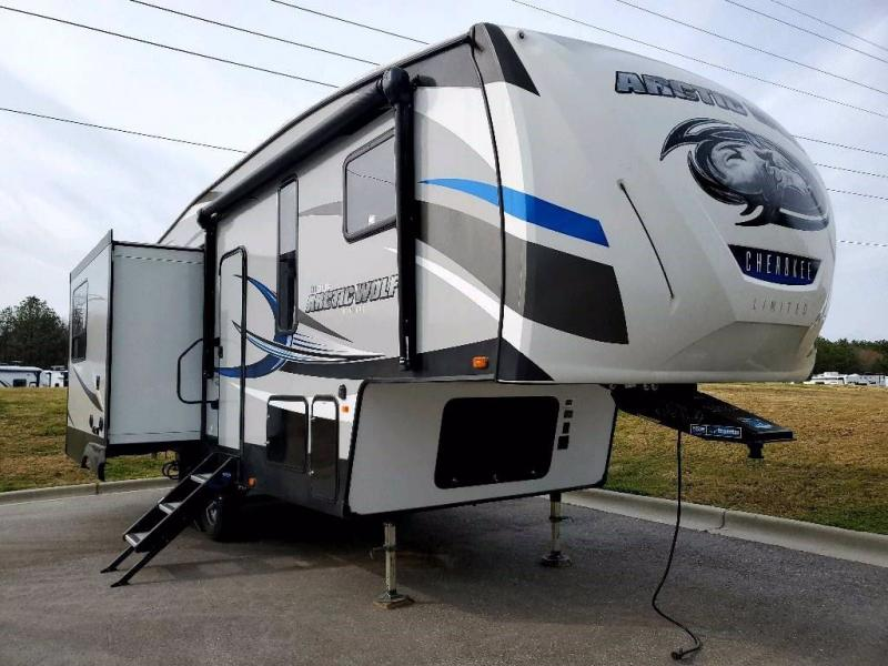 2018 Forest River Inc. ARCTIC WOLF 285DRL4