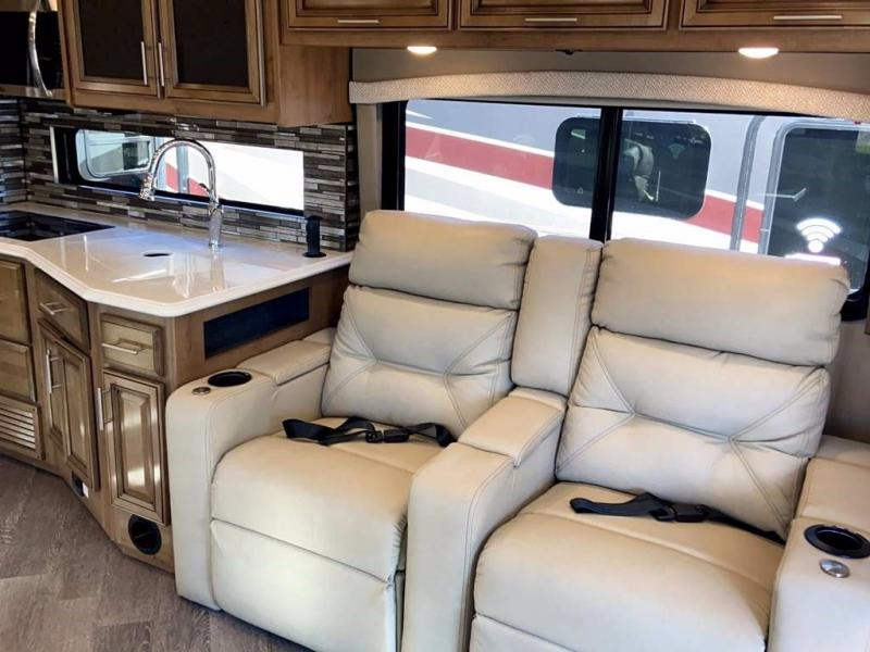 2021 Fleetwood RV PACE ARROW 35RB