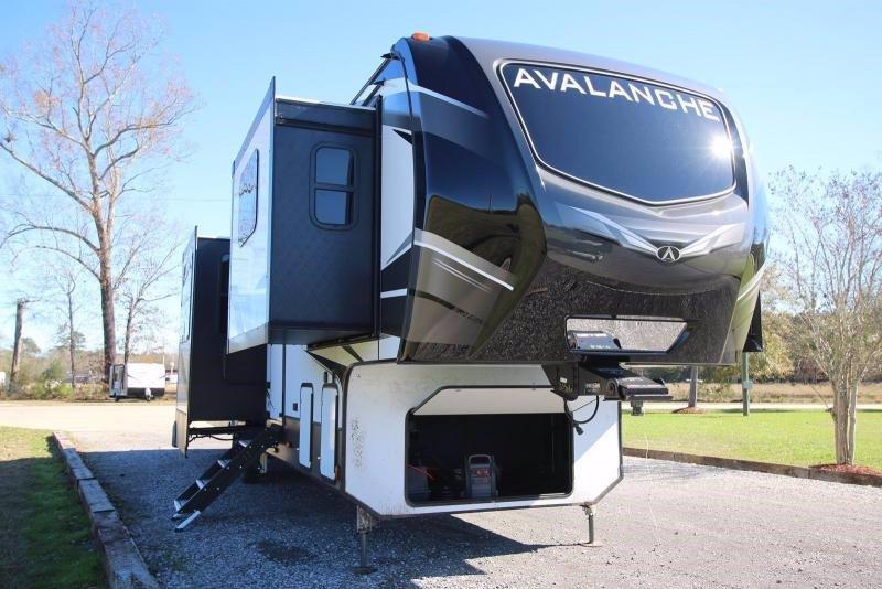 2020 Keystone RV Avalanche 383FL