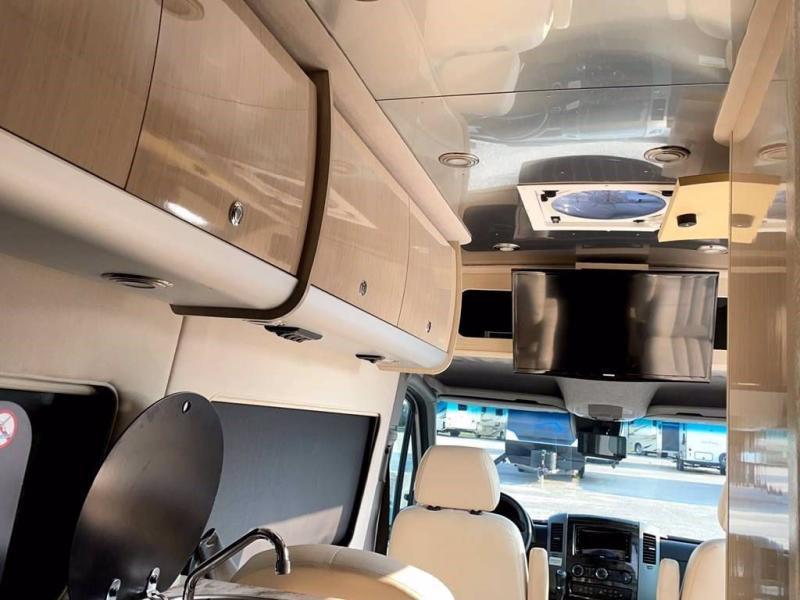 2017 Airstream INTERSTATE EXT LOUNGE