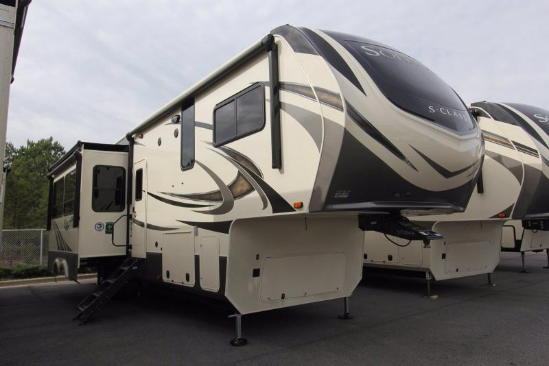2020 Grand Design RV Solitude 3550BH-R