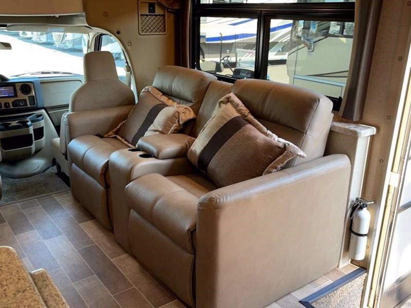 2020 Thor Motor Coach CHATEAU 31B