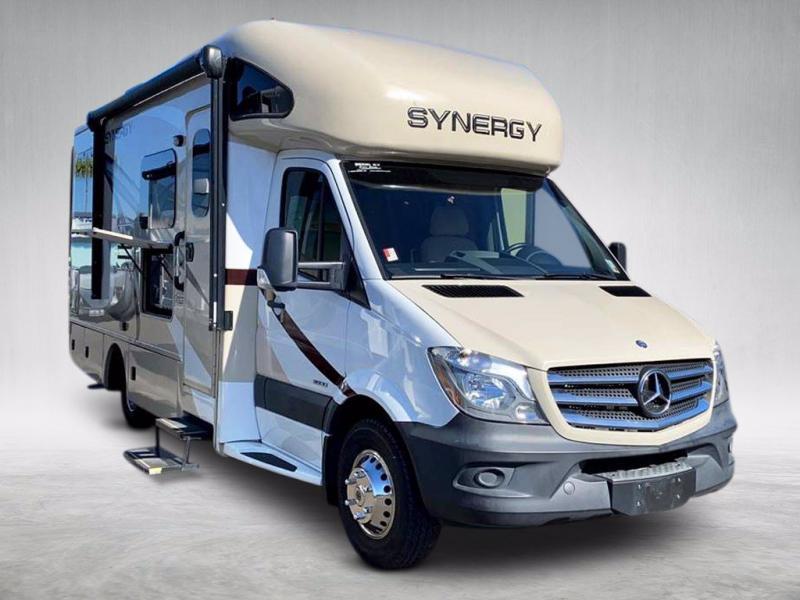 2016 Thor Motor Coach SYNERGY M24SP