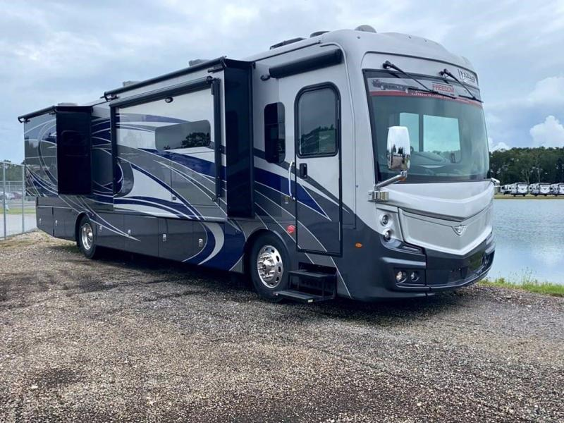 2022 Fleetwood RV DISCOVERY 38K