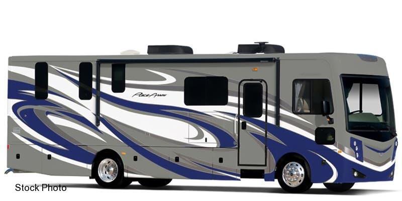 2017 Fleetwood RV PACE ARROW 33D