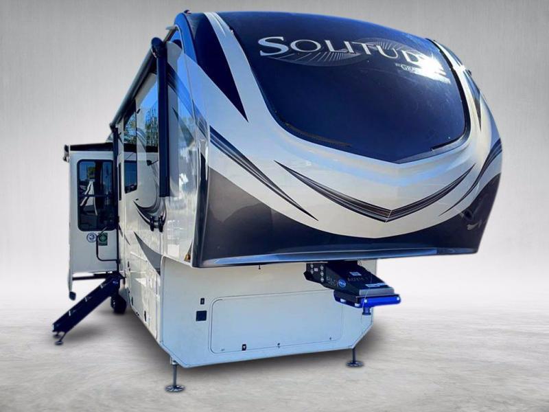 2021 Grand Design RV SOLITUDE 390RK-R