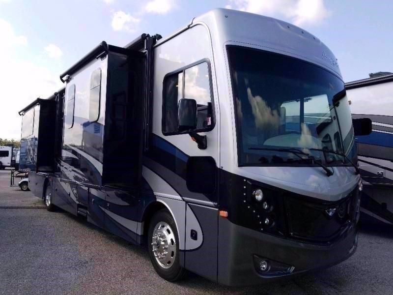 2021 Fleetwood RV PACE ARROW 35S