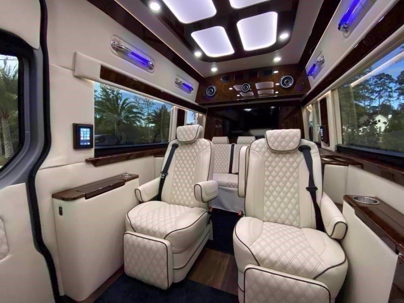 2020 American Coach PATRIOT CRUISER SD BUSINESS CLASS