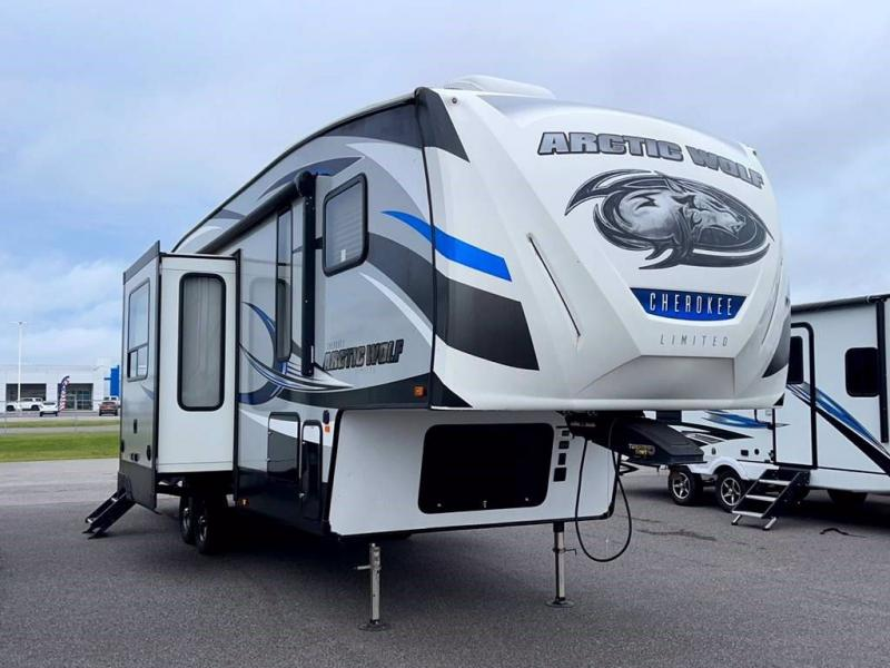 2018 Forest River ARCTIC WOLF 305ML6