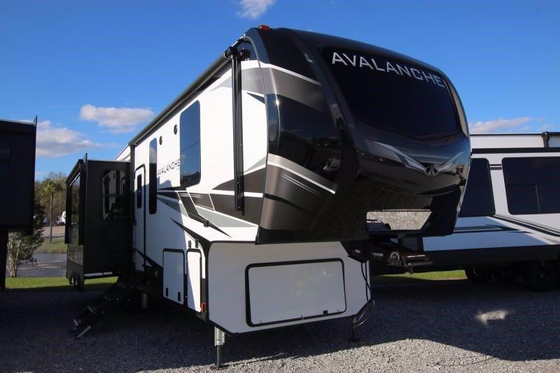 2020 Keystone RV Avalanche 313RS