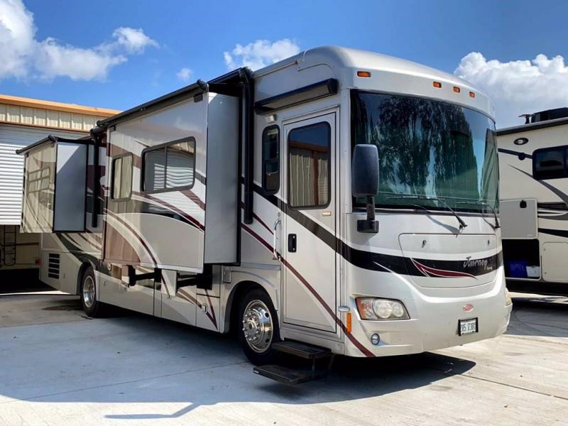 2010 Winnebago JOURNEY 34Y