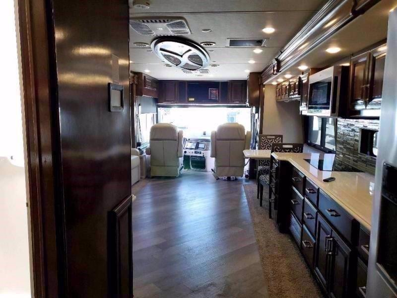 2021 Fleetwood RV PACE ARROW LXE 38F