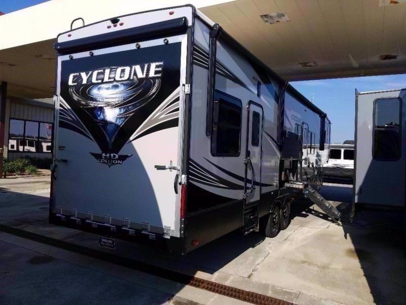 2021 Heartland RV CYCLONE 3713