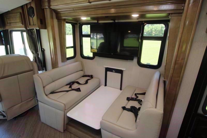 2020 Fleetwood RV PACE ARROW 35S