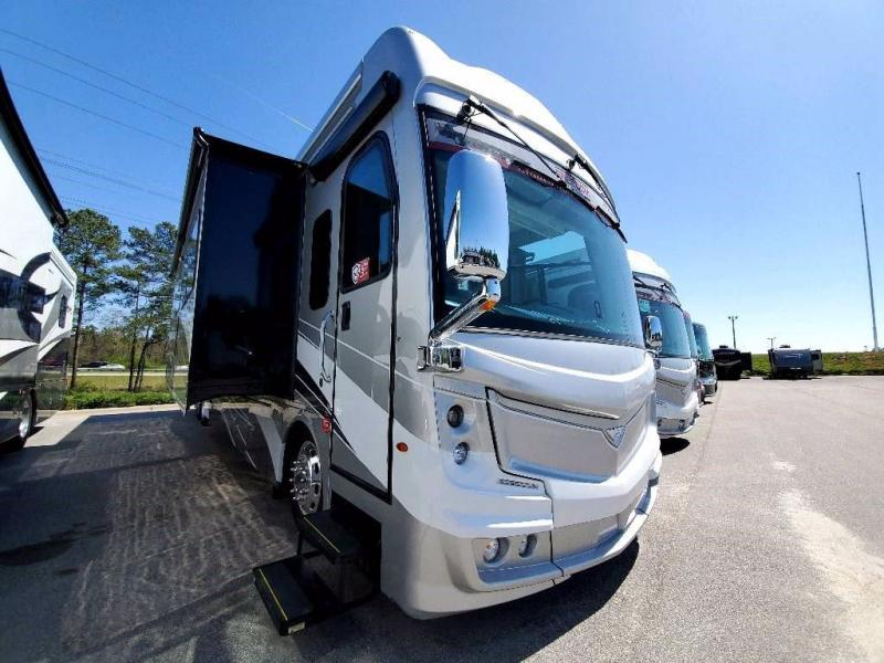 2021 Fleetwood RV DISCOVERY LXE 44H