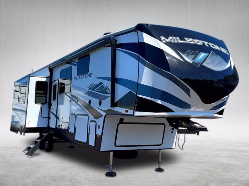 2021 Heartland RV MILESTONE 326RL