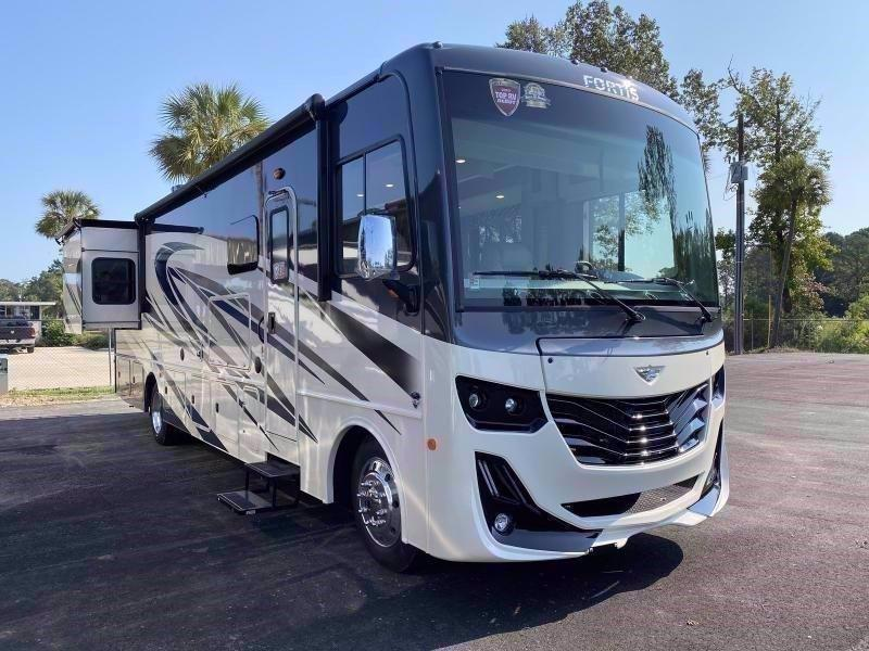 2021 Fleetwood RV FORTIS 34MB