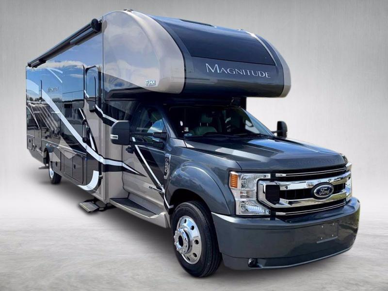 2021 Thor Motor Coach MAGNITUDE BH35