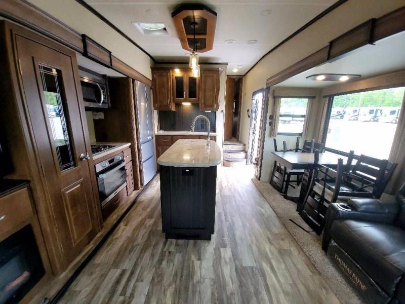 2018 Grand Design RV REFLECTION 303 RLS