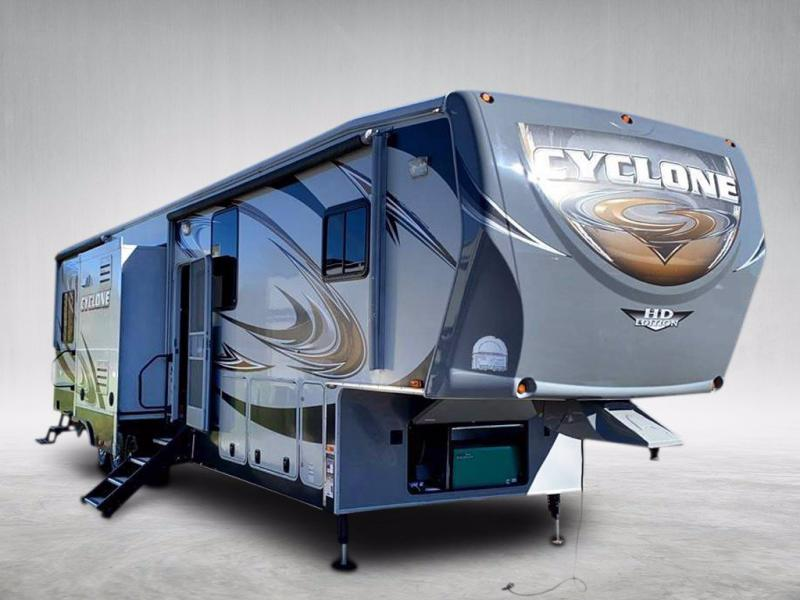2013 Heartland RV CYCLONE 4100