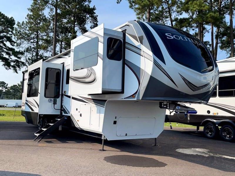 2022 Grand Design RV SOLITUDE 380FL-R