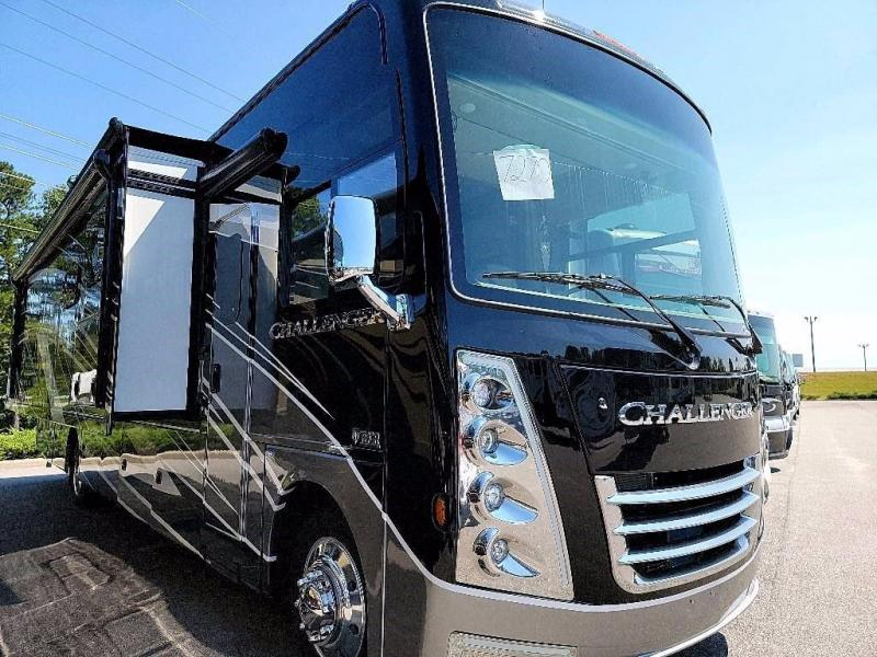 2022 Thor Motor Coach CHALLENGER 37FH