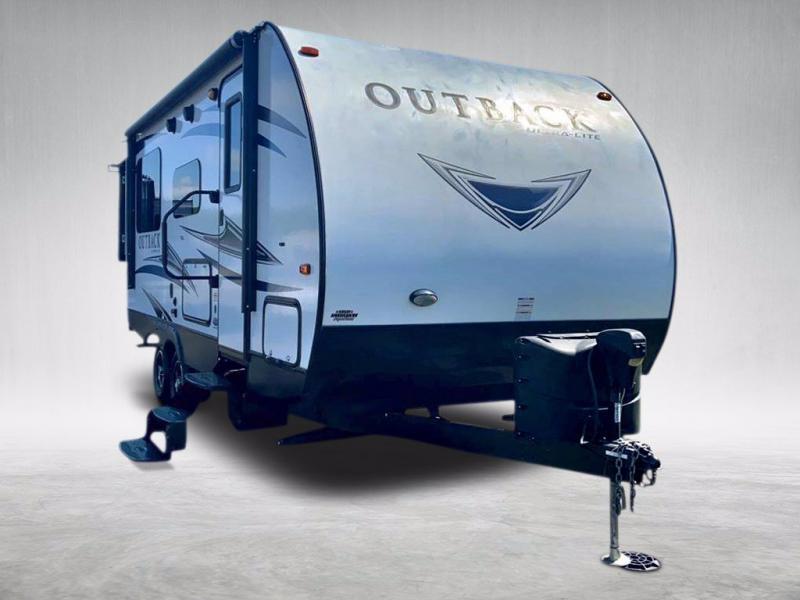 2018 Keystone RV OUTBACK ULTRA-LITE 210 URS