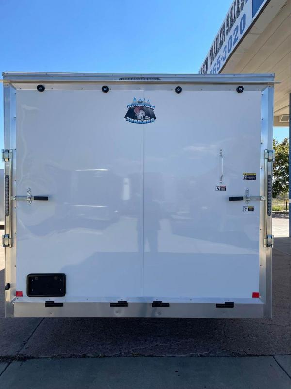 2022 R and M Manufacturing 8.5X24+V-NOSE (9990 GVWR) Car / Racing Trailer-CO SPRINGS