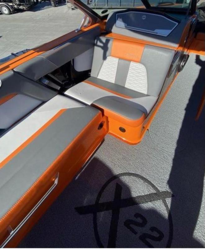 2019 Mastercraft X22 Ski/Wakeboard