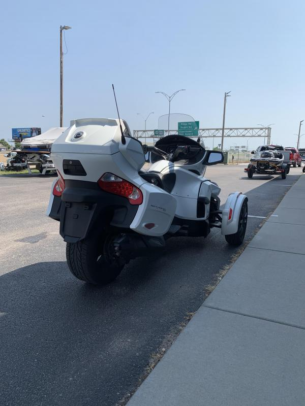 2019 Can Am RT (SE6) Pearl White