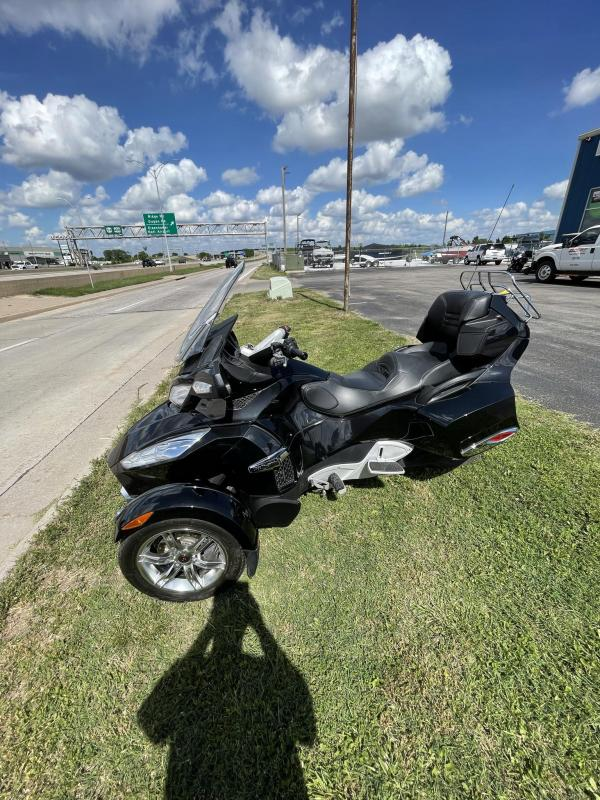 2010 Can Am SPYDER RTS M5 Motorcycle
