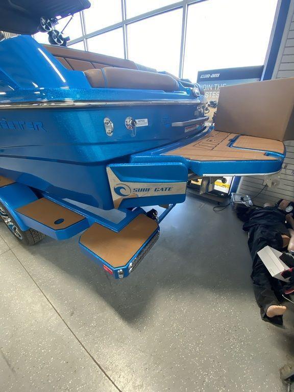 2021 Malibu Boats 23 LSV